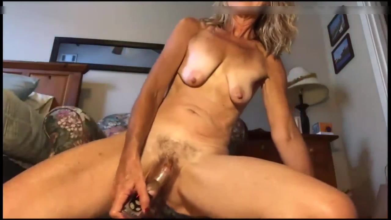 Amateur Blonde Milf Doggy